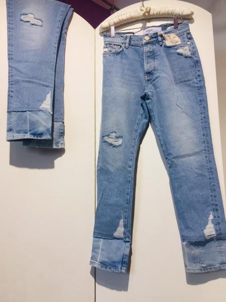 5 Pocked Blue Jeans